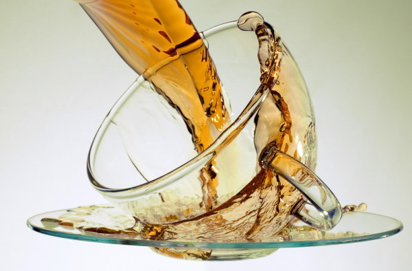 The dynamic beverage and glass high definition picture