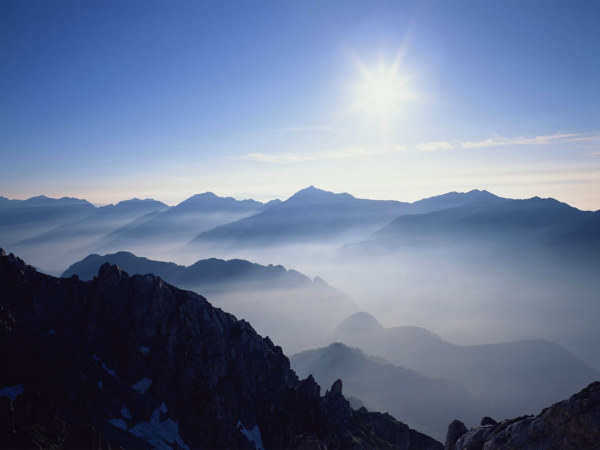 Cloud mountain HD picture