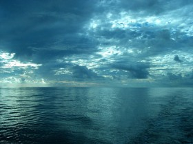 Sky picture material on the sea