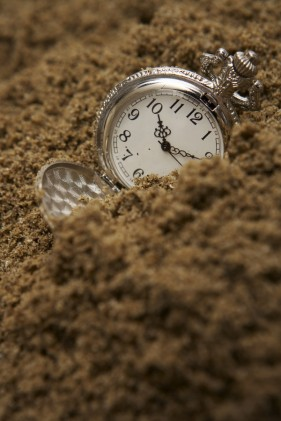 Sand pocket watch   HD Images