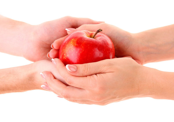 Apple and the person holding the hand 01   HD Images