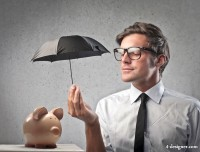 Men with piggy bank HD pictures